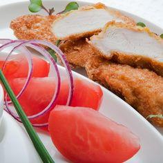 Fileciki z kurczaka w chrupiącej panierce kukurydzianej z sosem jogurtowym ze szczypiorkiem Konrada Birka - DoradcaSmaku.pl