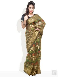 Buy Online Shopping Deals Offers In IndiaTraditional wear fabulous saree for women. Women saree crafted from kora silk for women. Paisleys to a grand border saree for women.Saree comes with a stylish blouse piece. Green saree with multi-coloured print detail