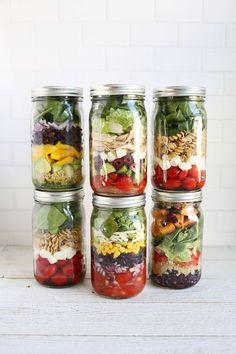 5 easy salad in a jar lunch ideas! #masonjar #salad #lunch #portable