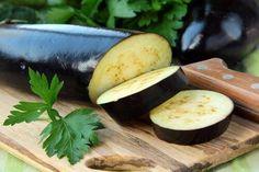 Aubergine biedt vele geneeskrachtige voordelen. We hebben het over de drie voornaamste voordelen die het drinken van aubergine water kan bieden.
