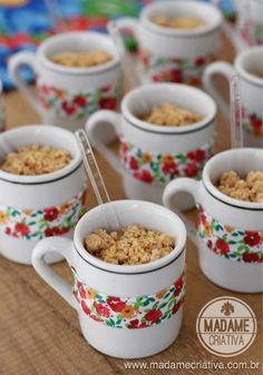 Doce de leite com paçoca esfarelada - Sobremesa de Festa Junina - Dulce de leche and peanut cramble - Delicious brazilian recipe