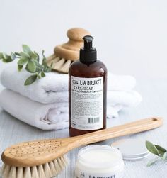 Check this web link right here based on Bathroom Decor Inspiration Farmasi Cosmetics, Natural Cosmetics, Beauty Photography, Product Photography, Photography Composition, Photography Lighting, Photography Backdrops, Photography Ideas, Diy Blog