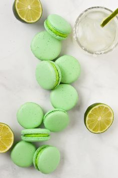 Using a tequila lime buttercream frosting, these french macaron cookies are sprinkled with salt making them the perfect margarita themed dessert recipe for summer or celebrating Cinco de Mayo! Köstliche Desserts, Delicious Desserts, Dessert Recipes, Mexican Desserts, Drink Recipes, Dinner Recipes, Macarons, Macaron Flavors, Lemon Curd Recipe