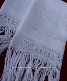 Embroidered towels with macramé. Nunziatina