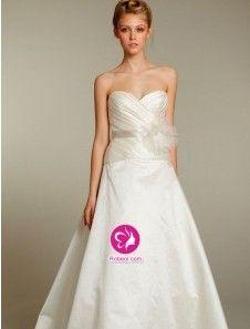 A-ligne Col en cœur Traîne moyenne Robe de mariée en Taffetas avec Fleurs manuelles Ruché Ceinture en étoffe(FR0254265)