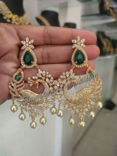 Ideal Handmade jewelry sets,Aesthetic jewelry diy and Beautiful jewelry Indian Jewelry Earrings, Indian Wedding Jewelry, India Jewelry, Bridal Jewelry, Jewelry Sets, Jewelry Holder, Diamond Earrings Indian, Jewelry Accessories, Jewelry Making