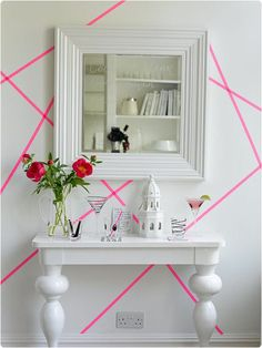 Of all the things you can make with masking tape, wall art has to be the coolest. It's a simple, inexpensive and unexpected way to add some interest to a blank wall. And with Japanese washi tape a. Masking Tape Wall, Tape Wall Art, Tape Art, Deco Design, Wall Design, Home Wall Decor, Diy Home Decor, Home Decoration, Flur Design