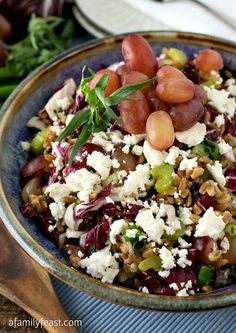 Farro Salad with Grapes, Goat Cheese and Tarragon Vinaigrette - A really delicious and healthy recipe from Weight Watchers.
