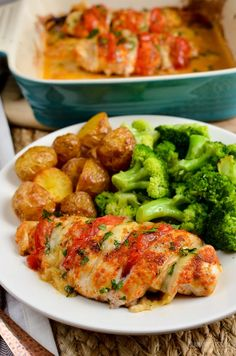 Slimming Eats Syn Free Tomato and Mozzarella Hasselback Chicken - gluten free, Slimming World and Weight Watchers friendly