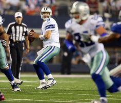 Cowboys- Check out the highlights from each quarter of the New York Giants vs. Dallas Cowboys History, Dallas Cowboys Game, Cowboy History, Cowboys 4, Cowboy Games, Tony Romo, New York Giants, 4 Life, Football Helmets
