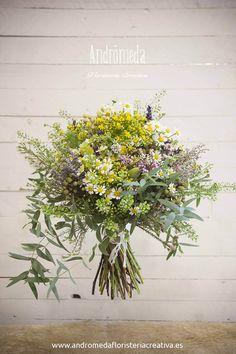 sigue triunfando el estilo silvestre en el bouquet de novia este fue el bouquet de novia