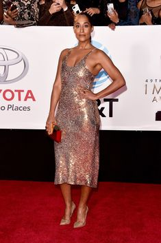 Tracee Ellis Ross from 2017 NAACP Image Awards: Red Carpet Arrivals The red carpet would simply not be complete without an appearance from the Black-ish actress. African Fashion Designers, African Men Fashion, African Outfits, Africa Fashion, Tracee Ellis Ross, Fashion Outfits, Fashion Tips, Fashion Ideas, Fashion Styles