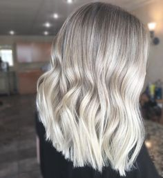 "250 Likes, 4 Comments - VERNHAIR (@vernhair) on Instagram: ""BLONDE GOALS BALAYAGE AND BABYLIGHTS #babylights #vernhair #inthechairwithvernhair #balayage…"""