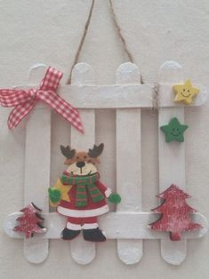 Learn how to make Easy Christmas Crafts for Kids with these amazing Popsicle Stick Christmas Ornaments. for kids easy christmas Easy Christmas Crafts for Kids to Make – Popsicle Stick Christmas Ornaments Popsicle Stick Christmas Crafts, Easy Christmas Ornaments, Christmas Crafts For Kids To Make, Popsicle Stick Crafts, Craft Stick Crafts, Spring Crafts, Christmas Projects, Kids Christmas, Holiday Crafts