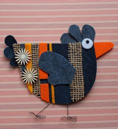 Only make one side and then applique to a block. Denim Crafts, Felt Crafts, Easter Crafts, Diy And Crafts, Crafts For Kids, Arts And Crafts, Chicken Crafts, Chicken Art, Wool Applique