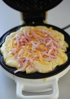 Ham and cheese waffles - Food On Table Yummy Waffles, Cheese Waffles, Norwegian Food, Recipe For Mom, Food Inspiration, Love Food, Tapas, Food Porn, Dinner Recipes