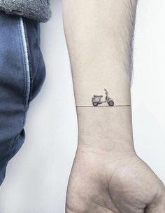 Naz uygun adlı kullanıcının dövme panosundaki pin татуировки, милые тату ve Tatoo Bike, Bike Tattoos, Motorcycle Tattoos, Body Art Tattoos, Small Tattoos, Tattoos For Guys, Sleeve Tattoos, Cool Tattoos, Motocross Tattoo