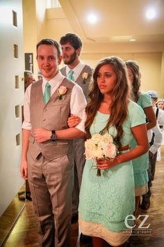 How do you think Jessa's wedding will compare to Jill's? Description from… Hollywood Icons, Hollywood Actresses, Classic Hollywood, Celebrity Couples, Celebrity News, Duggar Girls, Duggar Family Blog, Duggar Wedding, Jill Duggar