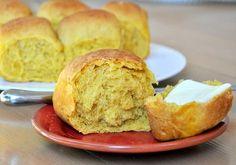 Browned butter pumpkin dinner rolls