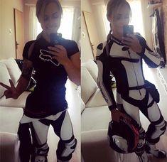 (notitle) - Motorcycle - - Cars and motorcycles - Motos Dirt Bike Girl, Motorcycle Dirt Bike, Motorcycle Style, White Motorcycle, Lady Biker, Biker Girl, Street Bikes, Moto Quad, Motorbikes Women