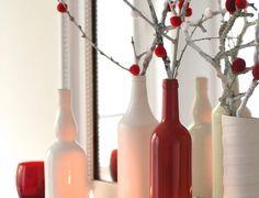 Une décoration de Noël tradi en rouge et blanc avec... Des soliflores peintsUne déco express et hyper élégante : les soliflores peints, à déposer sur une table de salon, un buffet ou une commode... Adorable !