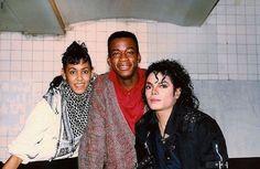 Michael, choreographers Daryl Richardson and Gregg Burge on the set of Bad in 1986 Michael Jackson Fotos, Michael Jackson Wallpaper, Michael Jackson Bad Era, Paris Jackson, Jackson 5, Bad Michael, Bad Video, Mj Dangerous, Mj Bad