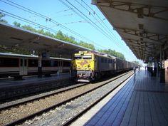 Imágenes de la estación de Vitoria en el verano de 2007.  http://ju5ffcc.blogspot.com.es/2013/02/estacion-de-vitoria-verano-2007.html
