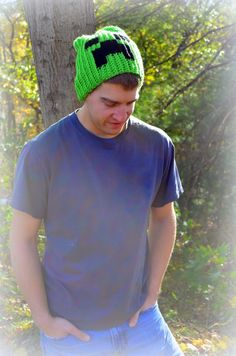 The Heart of a Crafty Mom: Crochet: DIY Creeper Slouchie hat
