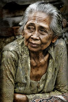 portrait of an old woman in Bali.   20' Dec 2012