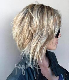 Fashion For Old Women + Fashion Trends 50 Short Blonde Hair Color Ideas in These 50 short blonde hair color ideas in 2019 are perfect way to refresh your look. Getting a new look for the spring and summer months is always a & Hair Color Easy Hairstyles For Medium Hair, Haircut For Thick Hair, Summer Hairstyles, Medium Hair Styles, Short Hair Styles, Hairstyles Haircuts, Trendy Hairstyles, Short Hair Model, Short Hair Cuts