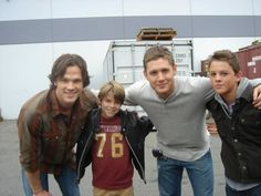 Sam & Dean with mini Sam & Dean! Awh!!!