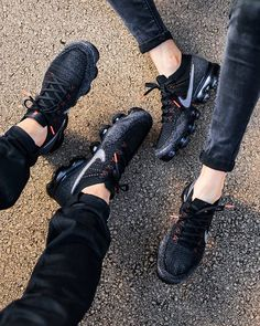 The Nike Air VaporMax Dark Touch Of Crimson is featured in a lifestyle look and it's now available at Nike stores. Nike Vapormax Flyknit, Nike Shoes, Shoes Sneakers, Women's Shoes, Sneaker Games, Nike Air Vapormax, Custom Shoes, Sports Shoes, Nike Shies, Outfit, Men's Footwear, Shoes, La Mode