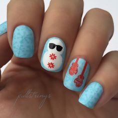 Cool snowman nails by @pullstrings.