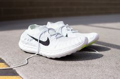 Nike Free Flyknit 3.0   Pure Platinum / Black   White
