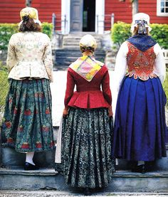 Hello all, Today I will try to cover all of Norway. Norway has many beautiful costumes, and the folk costume culture is alive and we. Norwegian Clothing, European Dress, Folk Clothing, Scandinavian Art, Beautiful Costumes, Bridal Crown, Textiles, Folk Costume, Traditional Dresses