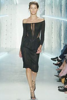 Donna Karan Spring 2005 Ready-to-Wear Fashion Show - Isabeli Fontana Vintage Fashion 90s, Isabeli Fontana, Donna Karan, Fashion Show, Fashion Design, Ready To Wear, Dress Up, Vogue, Spring Summer