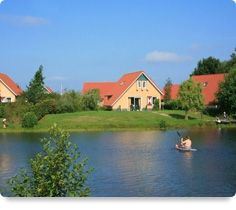 Vakantiehuizen op vakantieparken  http://www.belvilla.nl/dv/pnts/vakantiehuis-vakantiepark    Wil je je vakantie doorbrengen in een levendige omgeving, met extra faciliteiten rondom je vakantiehuis en veel andere huisjes in de buurt? Huur dan een vakantiehuis op een vakantiepark. Ook als je met de hele familie weg gaat is een vakantiepark ideaal. Belvilla vakantiehuizen: meer dan 2400 vakantiehuizen op 750 vakantieparken!