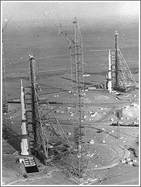 An amazing aerial shot of two Soviet rockets on adjacent launch pads Baikonur Cosmodrome Credit: Unknown Cosmic Microwave Background, Nasa Space Program, Space Launch, Astronomy Pictures, Launch Pad, Space Race, Air Space, Space And Astronomy, Space Shuttle