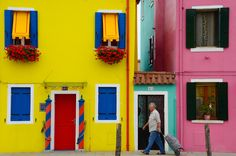 The Texture (and Color…) of Venice, Part 6 Yellow Houses, Colorful Houses, Green Shutters, Colourful Outfits, House Colors, Photo Art, Exterior, Modern, Windows