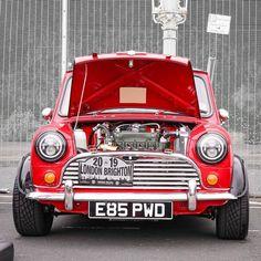 Black Mini Cooper, Mini Cooper Classic, Classic Mini, Classic Cars, Austin Mini, Mini Morris, Kei Car, Tyre Shop, Morris Minor
