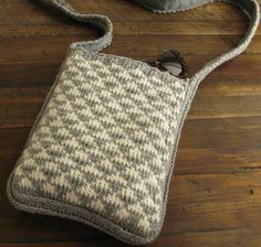 knit purse by Nancy Fallon #purse#bag#knit#pattern