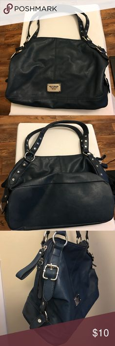 "Relic Brand dark/navy blue purse Very stylish purse! Dark blue color. Goes nicely with many wardrobe options! Used for a short period of time. Only ""flaw"" is that the interior cotton shows pilling. Overall great shape with lots of life left! See photos for condition review and last photo shows it's size better. Relic Bags Shoulder Bags"