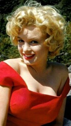 Ninochka Marilyn Monroe Artwork, Young Marilyn Monroe, Marilyn Monroe Portrait, Marylin Monroe, Estilo Marilyn Monroe, Actrices Hollywood, Norma Jeane, Hollywood Glamour, Belle Photo