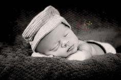 newborn photo in studio