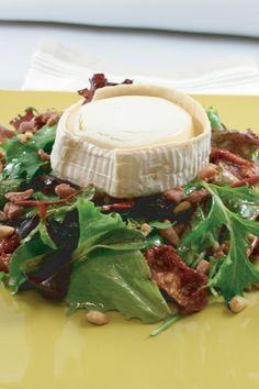 Salade met geitenkaas en honing mosterd dressing