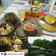 Å spise lokalmat er en opplevelse. Edno Vreme i Bulgaria. #reiseblogger #reiseliv #reisetips  #Repost @stinemaris_world with @repostapp  This is the perfect place to try traditional Bulgarian food it's almost like a food museum..and they bake their own bread!  Had an amazing lunch here and the lemonade is delicious!  To make it even more perfect it's located on a tiny island in a small lake next to the Vasil Levski Stadium  #restaurant #traditional #instafood #localfood #sofia #bulgaria…