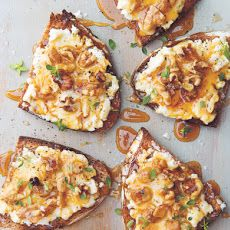 Goat Cheese Toasts with Walnuts, Honey & Thyme Recipe