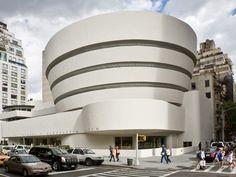 Frank Lloyd Wright - Guggenheim Museum, New York