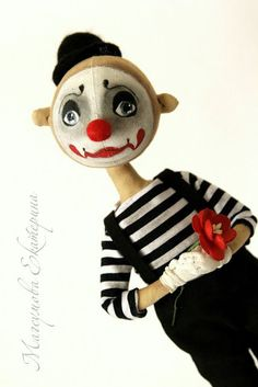 Say no more sweet clown boy Marionette, Paper Crafts Origami, Creepy Dolls, Vintage Circus, Doll Crafts, Cute Dolls, Fabric Dolls, Doll Face, Softies