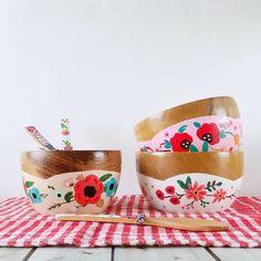 Plant Pots, Potted Plants, Posca, Bath Bombs, Pottery Art, Painting On Wood, Tea Cups, Diys, Tableware